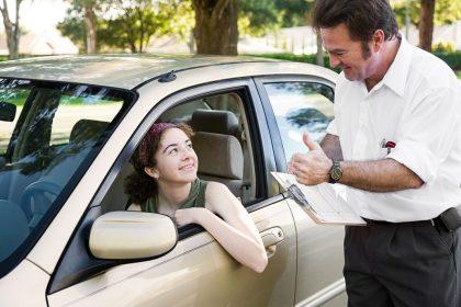 oszczedne wypozyczanie aut w warszawie
