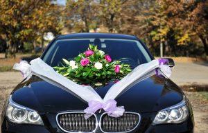 wynajem samochodu na slub i wesele mlodej parze
