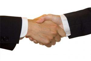 bezposredni-kontakt-klienta-z-wypozyczalnia-samochodow-warszawa
